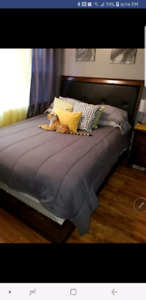 SELLING GOOD CONDITION 6 PIECE QUEEN BEDSET.