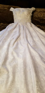 Ball gown off shoulder lace wedding dress 6-8
