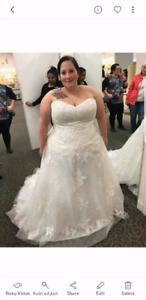 Lace wedding dress ! Never worn
