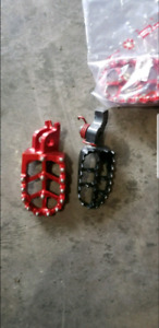Cr250 over sized pegs