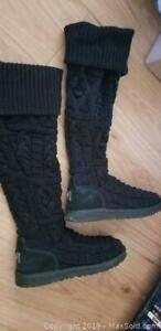 size 8 Uggs black boots