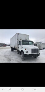 2004 Freightliner shred van