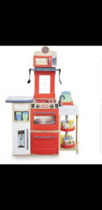 Brand New Little Tikes Cook 'n Store Kitchen!!