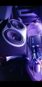 Two 12 inch Cerwin Vega Vega Pros with box and amp