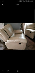 Living room set with power recliner in Lambskin leather