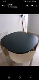 Round table 4 chairs