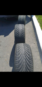 16 p TIRES COMME NEUF