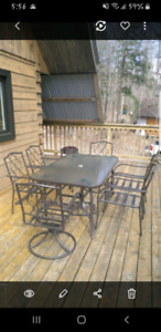 Patio table 6 chairs $200