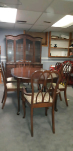 Dinning room table 6 chairs a China Cabinet