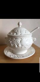 Soup bowl with ladle