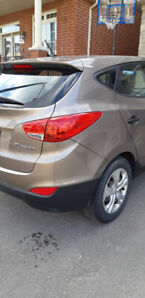 Hyundai Tucson last call before I trade in. very good condition