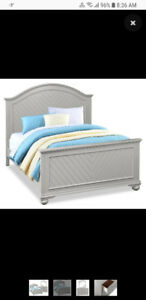 Queen size head board,foot board and rails