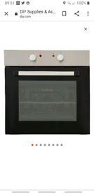 Single electric built in oven Cooke & Lewis - almost new