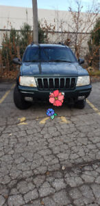 2000 Jeep grand Cherokee Limited  Low Km