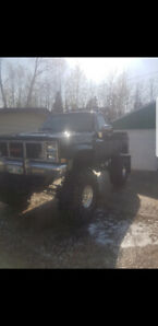 1986 GMC k15 4x4 lifted square body