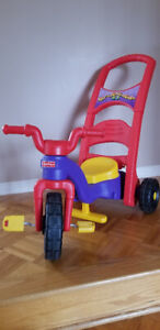 Tricycle Rock Roll ''N'' Ride (Fisher Price) Comme NEUF