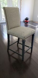 !!! SET OF 3 KITCHEN/ BAR STOOLS, STILL IN BOX, NEVER USED !!!