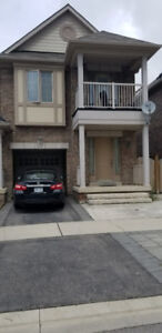 Spacious 4 bedroom furnished townhouse in Kleinburg!