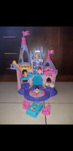 Château Disney avec 5 princesse en anglais