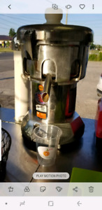 Commercial Juicer Ruby 2000