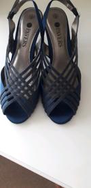 Matching sandals bag & fascinator in navy