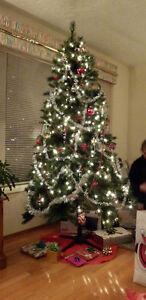 Pre- Lit Christmas tree