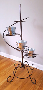 Hammered metal plant stand