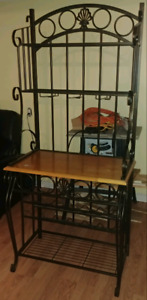 Bar stand. Need it gone. Best offer$