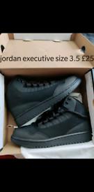 Nike air Jordan executive black 3.5