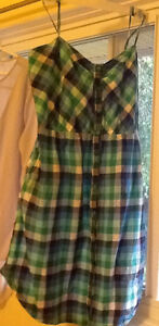 4 TOPS in great condition $5-$10 or 4/$25!!!!see all pics  green