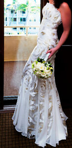 Paid over $1000.00-Stunning Chiffon and Lace Wedding Dress!