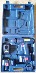 'TradeMaster' 120V Cordless Drill w/ Case, 2 Batteries & Charger Kingston Kingston Area image 2