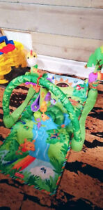 Tapis jeu jungle fisher price