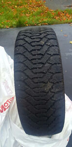 4 195/65/15 good year directional snow tires