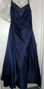 GRAD/BRIDESMAID DRESS