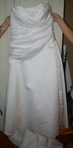 Wedding dress NEW-NEVER WORN