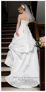 Size 0 David's Bridal Wedding Dress and Accessories