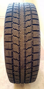 Winter tires like new 4 TOYO Observe GSi5 BW 205/70R15