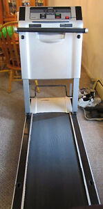 portable collapsible Treadmill in excellant shape !!!