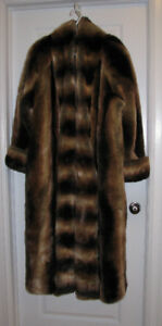 """FAUX"" CHINCHILLA FUR COAT by CASSINI fits sizes 20-24"