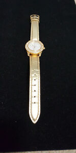 JOAN RIVERS CLASSICS GOLD TONE WATCH