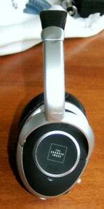 Sharper Image Active Noise Cancelling Headphones Like New!