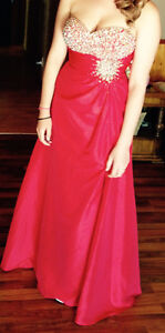 Beautiful red strapless prom dress