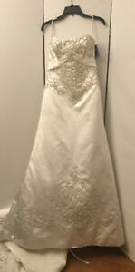 New Gorgeous Strapless Maggie Sottero Wedding Dress Size 12  OBO