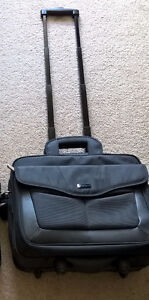 """New Targus Roller 17"""" City Gear Laptop Case in new condition"""