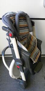 Chaise haute, pratique au chalet, roulotte, VR, maison, camping