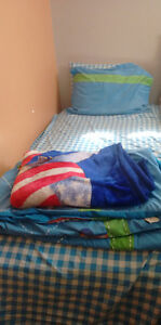 Excellent condition twin bed