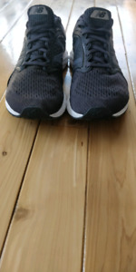 Chaussres de cours/Running shoes