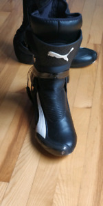 Motorcycle high performance boots (like new)