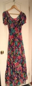 BETSEY JOHNSON FLORAL MAXI DRESS SIZE 2